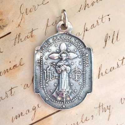 Large St Yves Medal