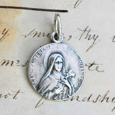 St Therese of Lisieux Medal Small Size